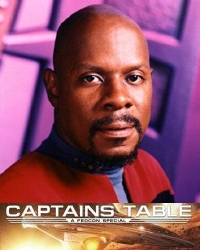 Avery Brooks als Captain Sisko